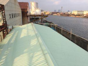 工場屋根の張替えです♪